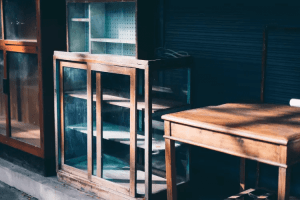PROTECT FROM TERMITES WITH EXPOSE WOODEN FURNITURE TO SUNLIGHT