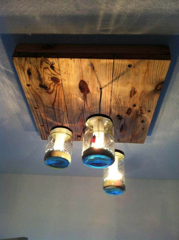 UNIQUE WOODEN PALLETS AND GLASS JARS FOR UNIQUE LAMP SHADE