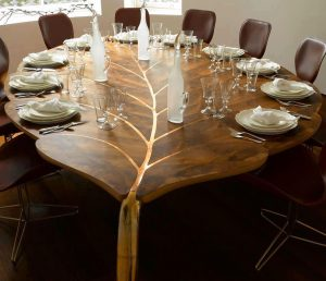 WOODEN DINING TABLE LEAF SHAPED DESIGN IDEAS