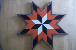 DIY WEATHERED WOOD QUILT DECOR IDEAS