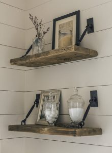 NICE VINTAGE HOOKS WOOD SHELF DESIGN IDEAS