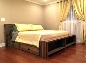 RECLAIMED SOLID WOOD PALLET BEDROOM STORAGE DECORATING IDEAS