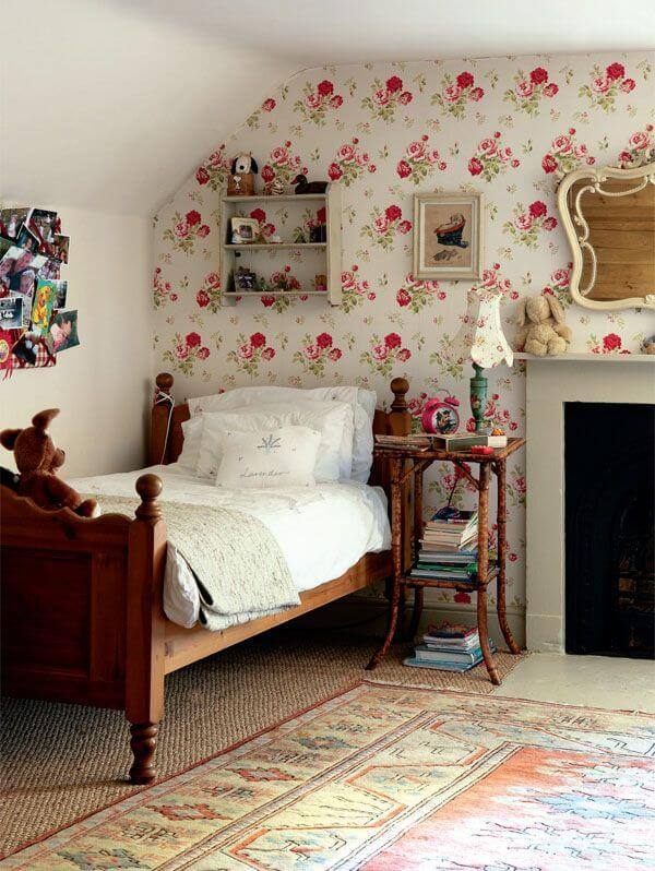 VINTAGE STYLE WOOD FURNITURE FOR BEDROOM SMALL SPACE