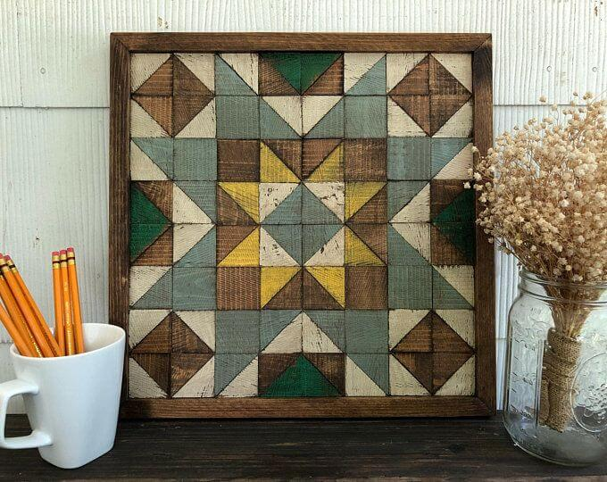 WEATHERED WOOD QUILT DECORATION IDEAS