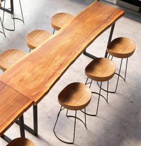 MODERN MINIMALIST BAR WOODEN TABLE AND STOOLS IDEAS