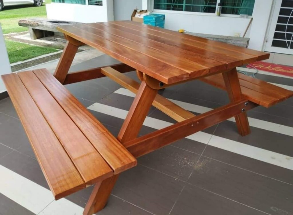 SOLID WOOD PICNIC TABLE FURNITURE IDEAS
