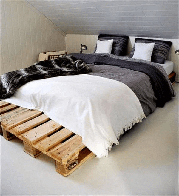 THE KING SIZE PALLET BED FRAME DESIGN IDEAS DIY