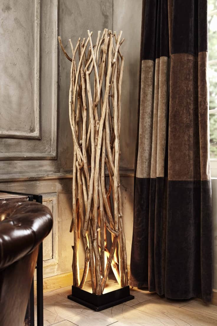 WOODEN LAMP DECORATION IDEAS WITH A SCULPTURE AND A LIGHT