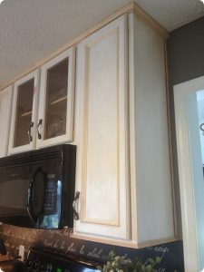 ADDING CROWN MOLDING TO WOOD CABINET MAKEOVER IDEAS