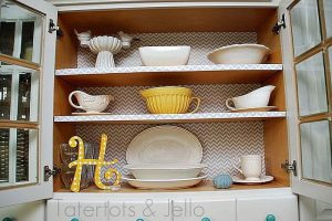 CHEVRON WRAPPING PAPER ENLIVENS THE WOOD KITCHEN CABINET SHELF MAKEOVER IDEAS