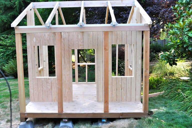WOOD PLAYHOUSE DIY PROJECTS IDEAS FOR KIDS