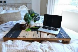 BED TABLE LAPTOP DIY WOODEN PALLETS FURNITURE IDEAS