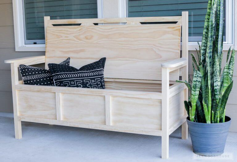 DIY WOOD OUTDOOR BENCH IDEAS WITH STORAGE