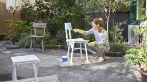 PAINT REAL WOOD FURNITURE TO MAKE IT LOOK NEW
