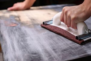 HERE IS HOW TO REMOVE PAINT FROM WOOD THAT RESULT IN GOOD CONDITIONED SURFACE