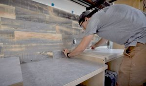 INSTALL RECLAIMED CREATIVE WOOD ACCENT WALLS