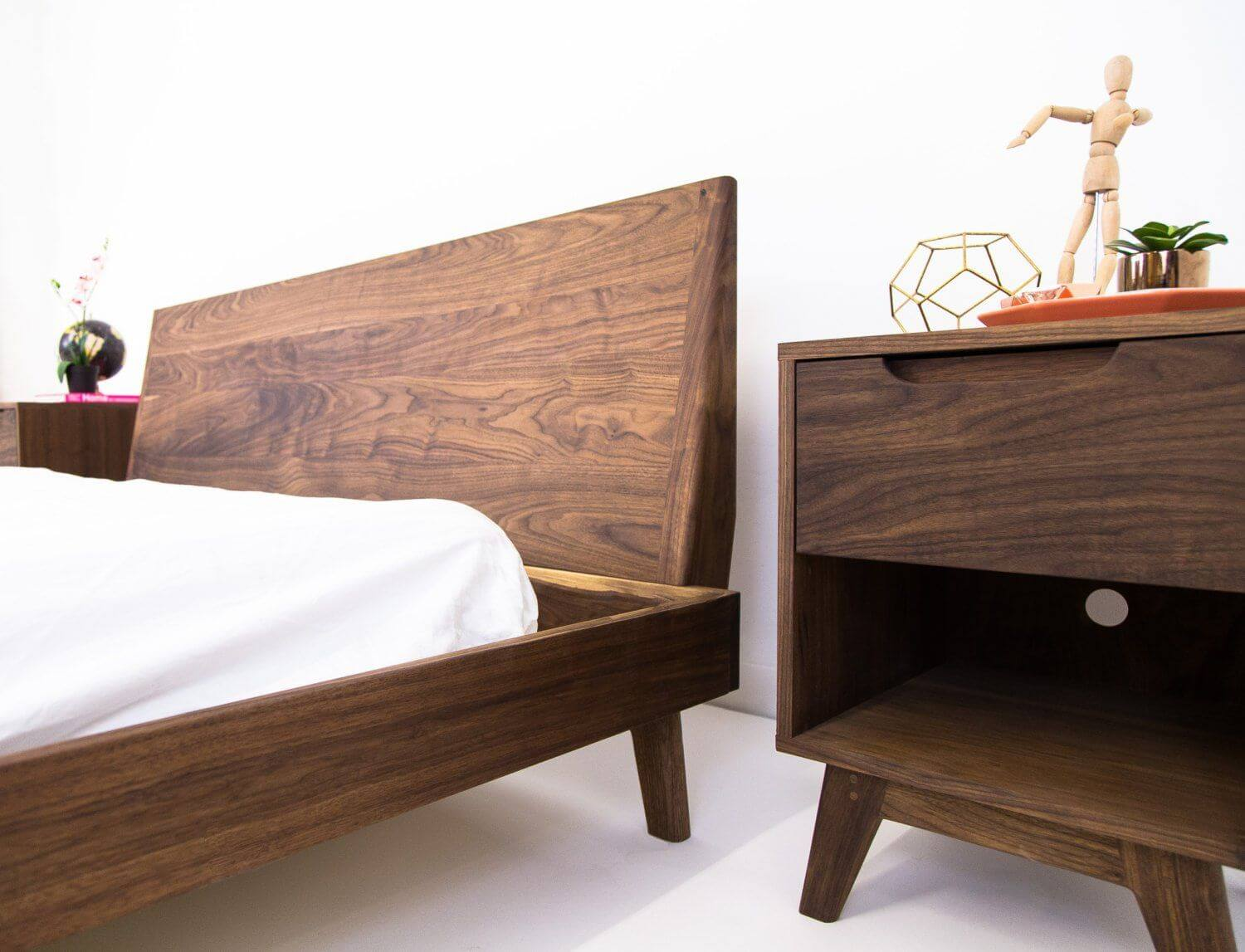WOOD WALNUT BED FRAME IDEAS