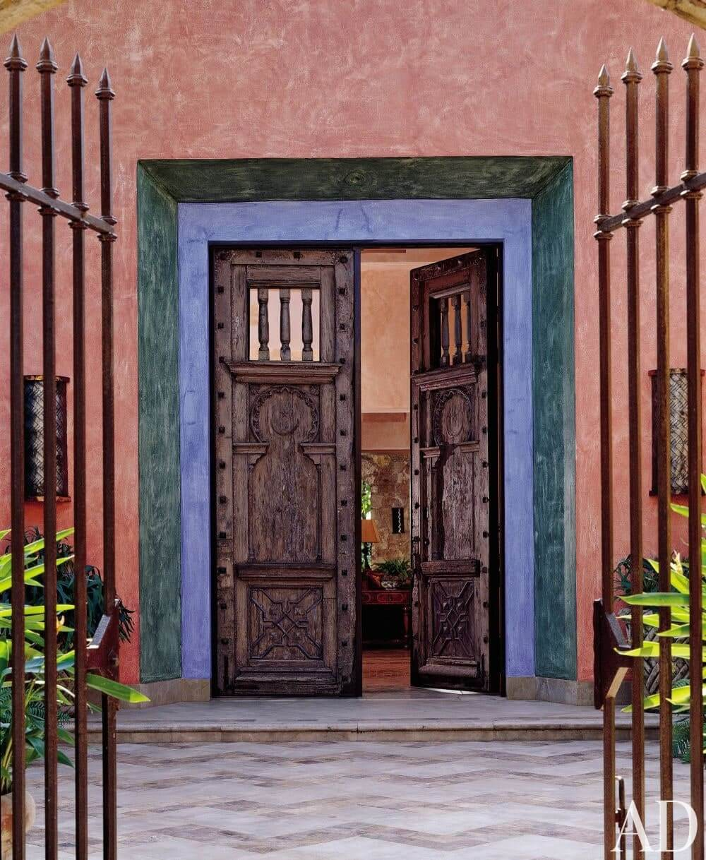 WOODEN DOOR ENTRANCE ANTIQUE STYLE DESIGN IDEAS
