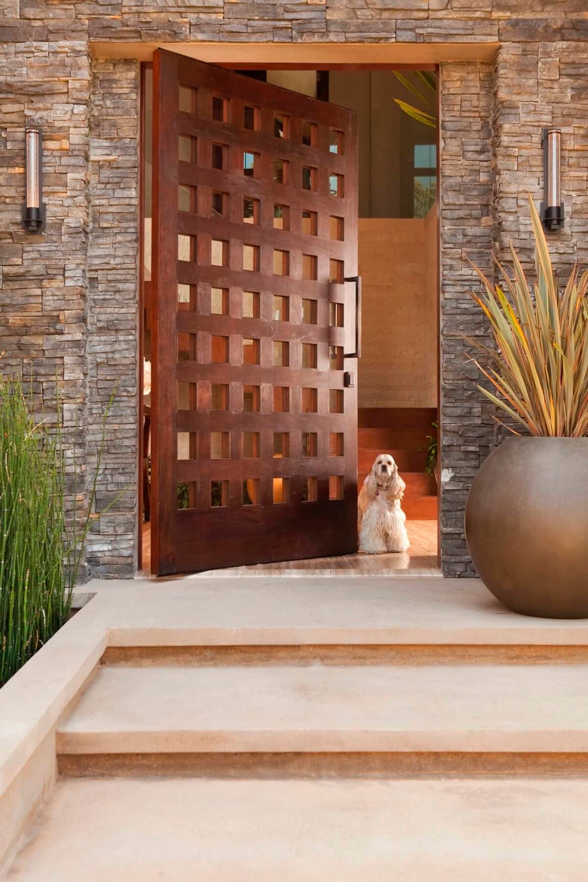 WOODEN PATTERNED DOOR ENTRANCE DESIGN IDEAS