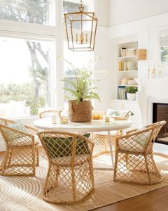 MODERN ROUND WHITE WOOD DINING TABLE IDEAS