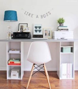 WOOD DESK WITH ADDITIONAL SHELVES