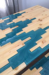 GEOMETRIC PATTERN WOOD AND RESIN TABLE