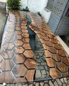 HEXAGON SEE THROUGH WOOD AND RESIN TABLE
