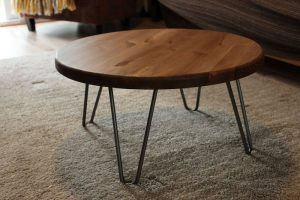 REASONS CHOOSING THE ROUND WOOD AND METAL COFFEE TABLE