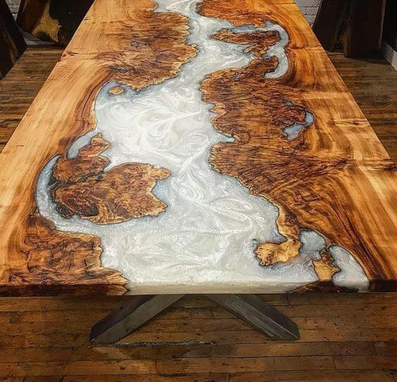 WOOD AND RESIN FROZEN RIVER TABLE