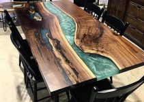 BEAUTIFUL NATURAL WOOD DINING TABLE