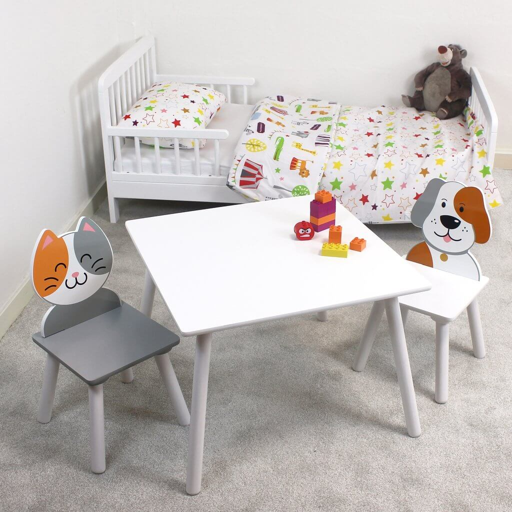 CUTE CAT AND DOG CHILDRENS WOOD TABLE AND CHAIRS SETS