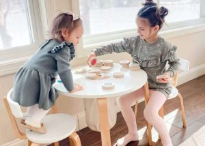 DOUBLE SURFACE CHILDRENS WOOD TABLE AND CHAIRS SETS