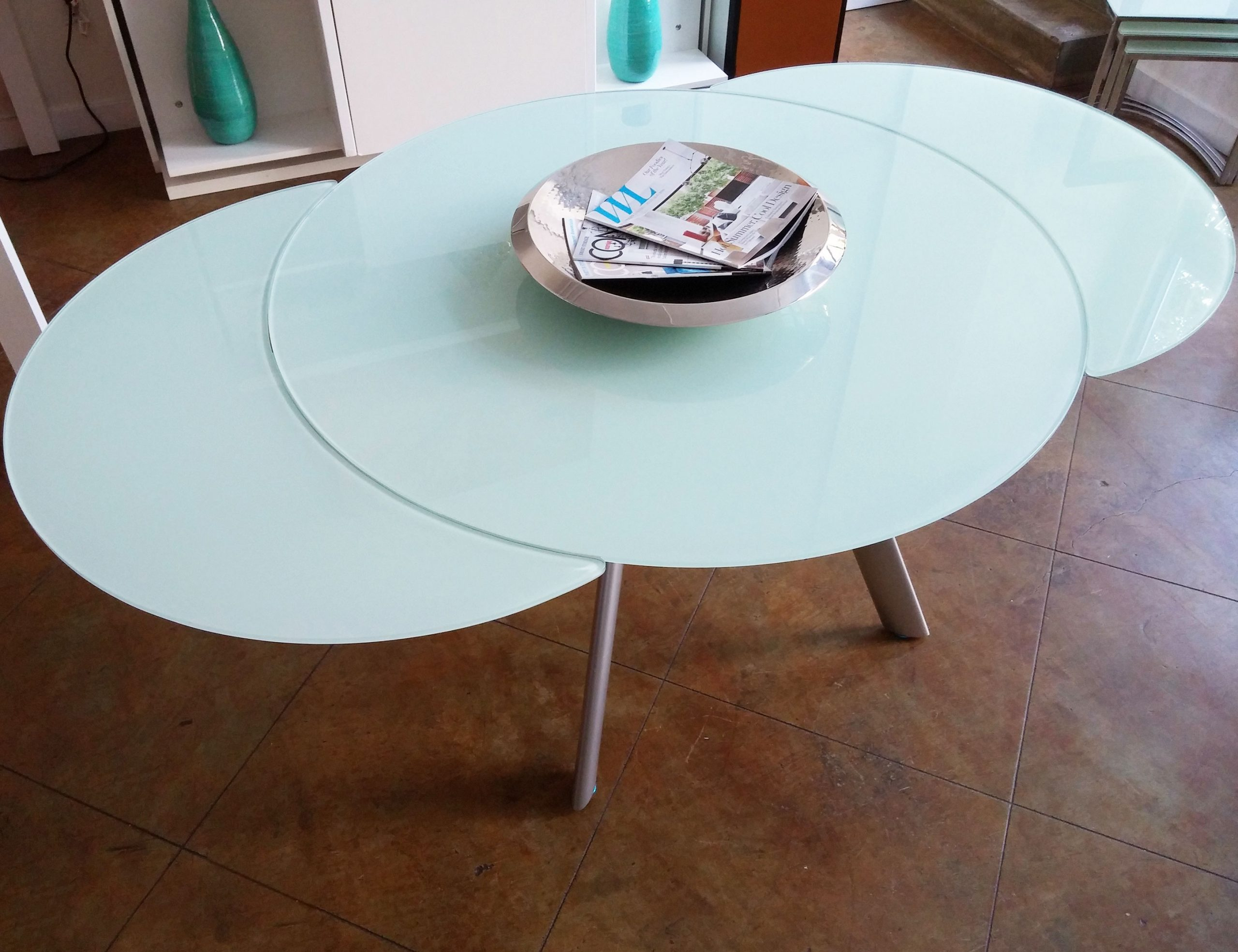 BUTTERFLY-EXPANSION-WOOD-EXPANDABLE-ROUND-DINING-TABLE