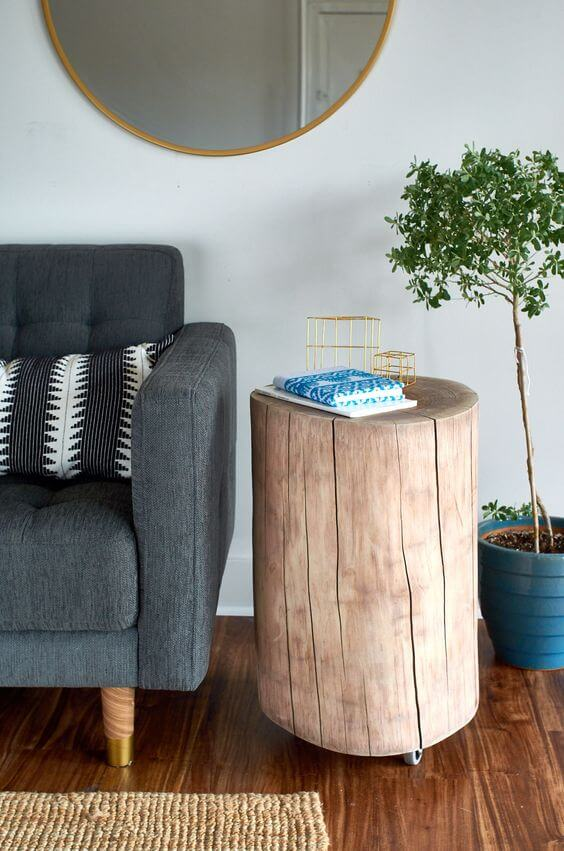 STRAIGHT FORWARD WITH WHEEL WOOD STUMP SIDE TABLE